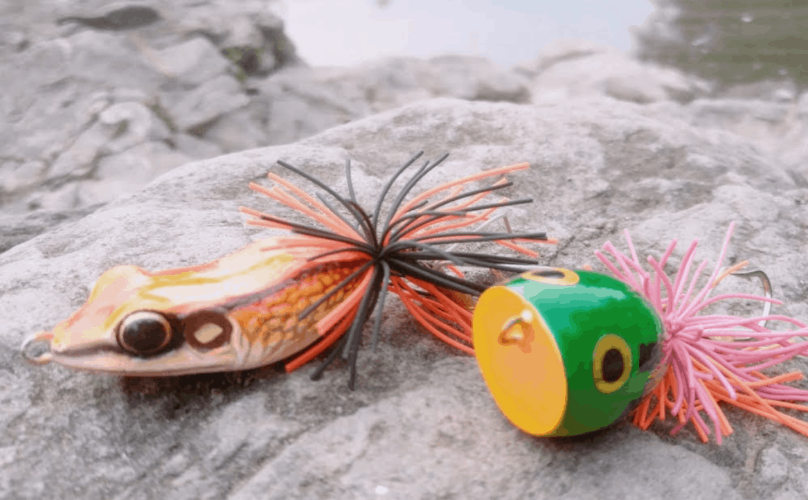 Frog lure for fishing